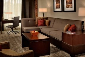 Doubletree - King Suite Living Room